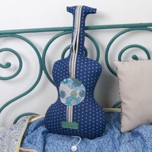 Guitare musicale Barnabé